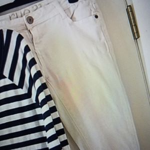Rue 21 white jeans, size 3 / 4